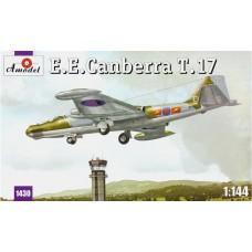 AMO-1430 1/144 Canberra T-17 model kit