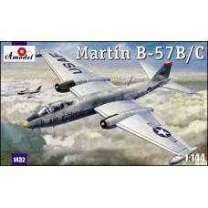 AMO-1432 1/144 B-57B/C model kit