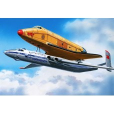 AMO-720152 1/72 Myasishchev 3M-T 'Atlant' Out-Size Cargo Version and 'Buran' Airframe (11F35) model kit