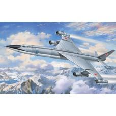 AMO-72016 1/72 Myasischev M-50A Heavy Strategic Bomber ('Bounder' NATO-designation) model kit