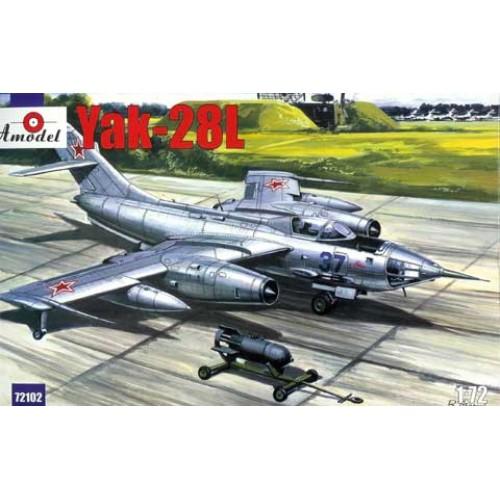 AMO-72102 1/72 Yakovlev Yak-28L Soviet Jet Fighter-Bomber model kit