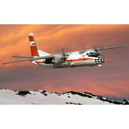 AMO-72223 1/72 An-30D model kit